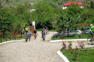 ture cu bicicleta la crama rotenberg - ceptura - dealu-mare (3)